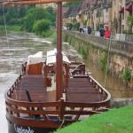 Gabare sur la Dordogne en crue